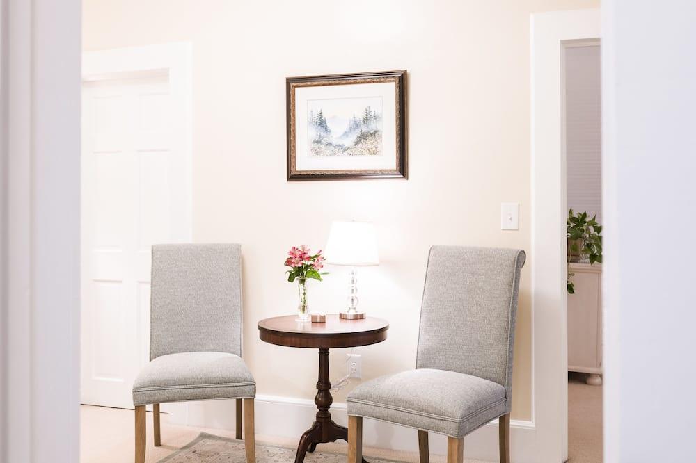 尊榮套房, 2 間臥室, 山景 - 客廳