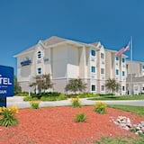 Microtel Inn & Suites by Wyndham Council Bluffs/Omaha, Omaha