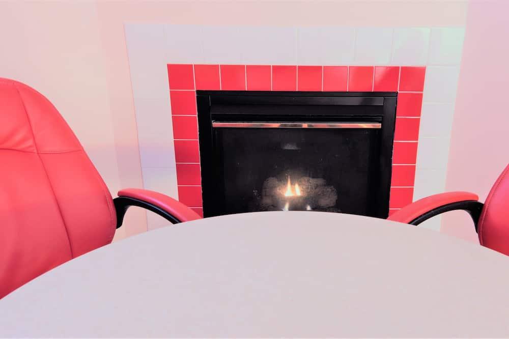 Premium-dobbeltværelse - 2 queensize-senge - pejs i værelset - Spisning på værelset