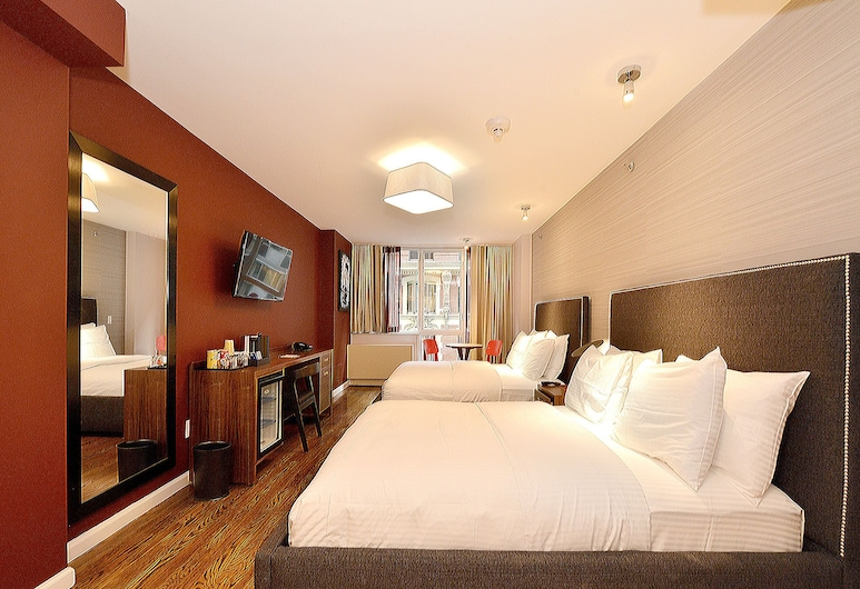 Hotel 32 32, New York, Double Queen Superior , Guest Room