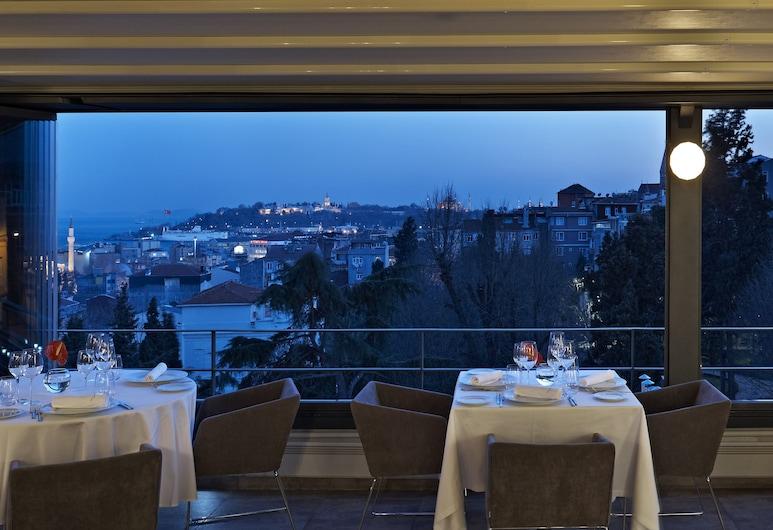 Tomtom Suites, İstanbul, Açık Havada Yemek