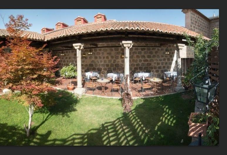 ホテル ラス カンセラス, アビラ, 施設の敷地