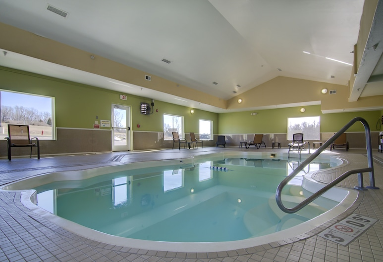 Holiday Inn Express Hotel & Stes Kansas City Sports Complex, Kansas City, Zwembad