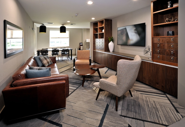 Four Points by Sheraton Fort Lauderdale Airport - Dania Beach, Dania Beach, Library