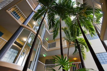 Picture of Inn Cairns Boutique Apartments in Cairns