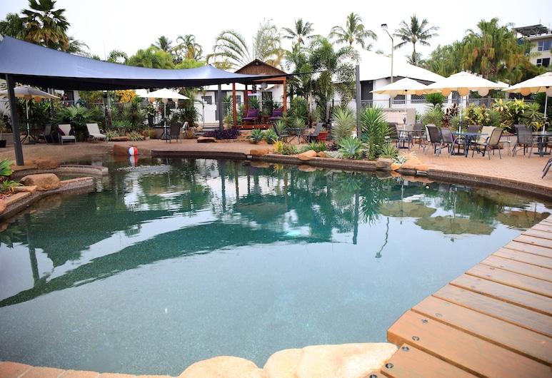 島閒暇度假村, 內利灣, 室外游泳池