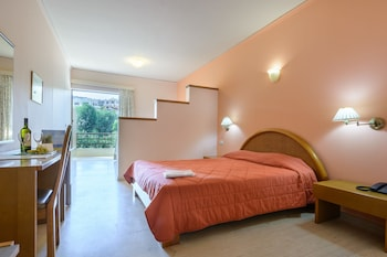 Picture of Golden Sand Hotel in Chios