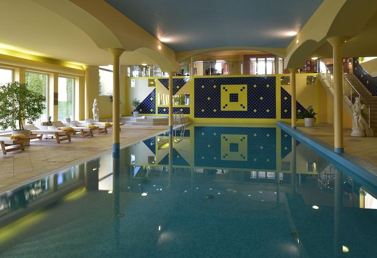 Easy Star, Praha, Krytý bazén