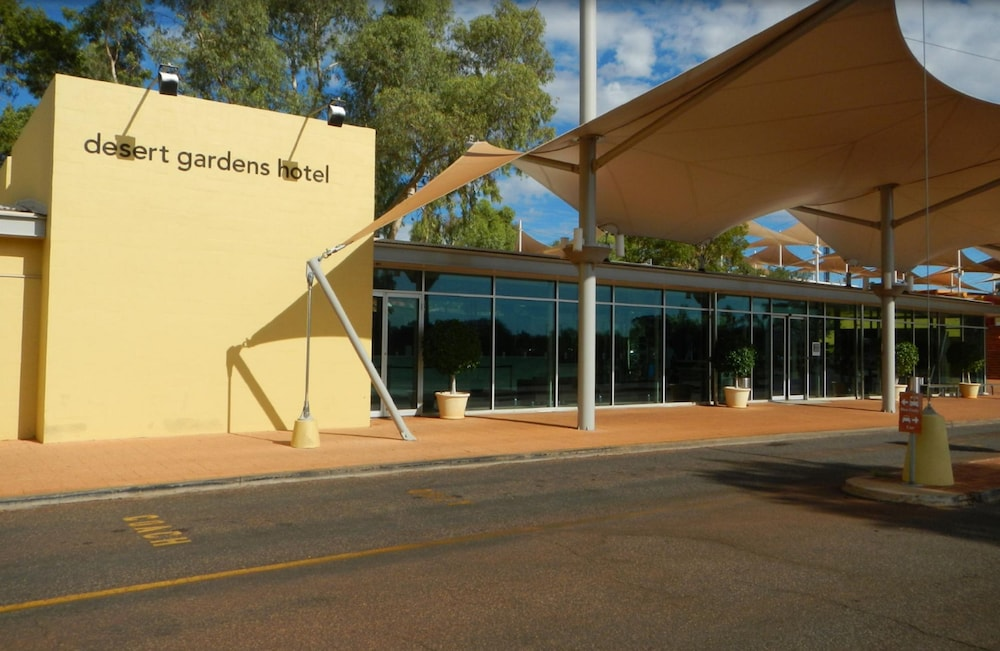 Book Desert Gardens a Member Of Novotel Hotels Yulara Northern