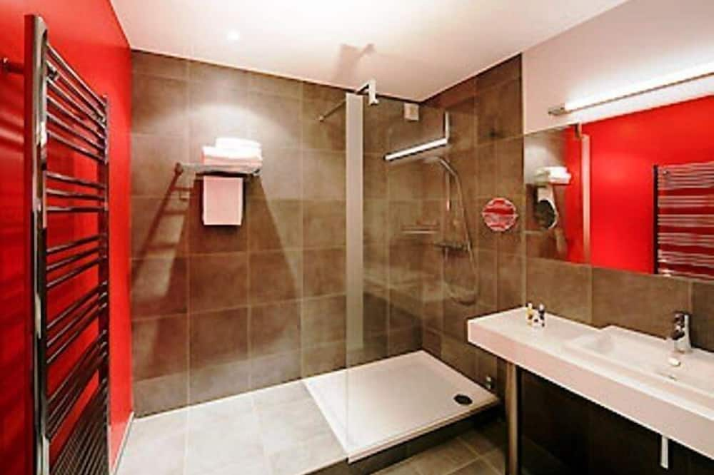 Privilege, Superior Double Room, 1 Double Bed with Sofa bed - Bathroom