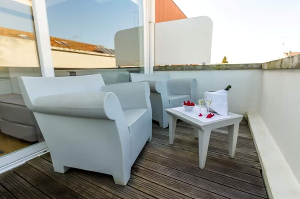Twin Room (With views) - Balcony