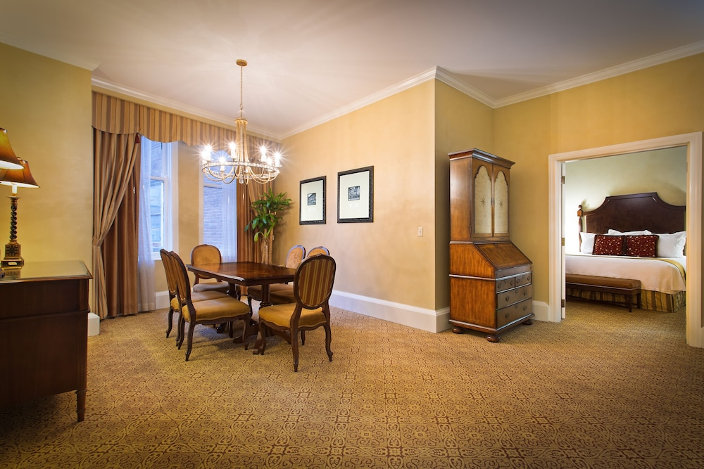 Book The Roosevelt New Orleans, A Waldorf Astoria Hotel