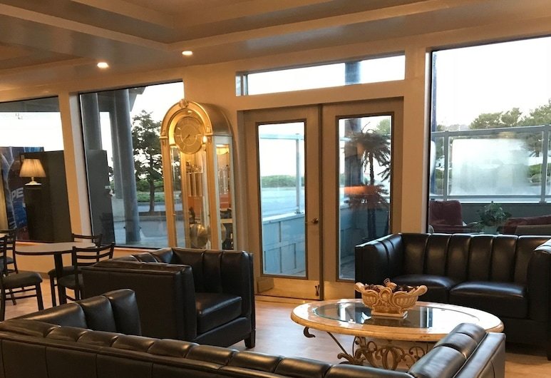 Edgewater Inn Coos Bay, Coos Bay, Sitteområde i lobbyen