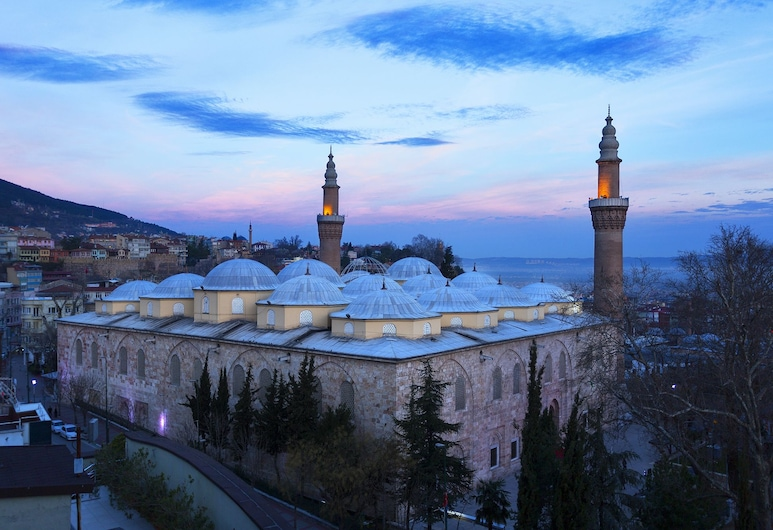 Kent Hotel, Bursa, Fachada del hotel de noche