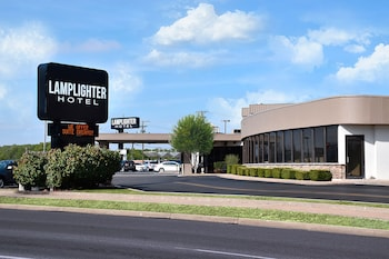 Picture of Lamplighter Inn & Suites - South in Springfield