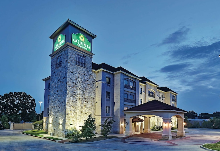 La Quinta Inn & Suites by Wyndham DFW Airport West - Euless, Euless