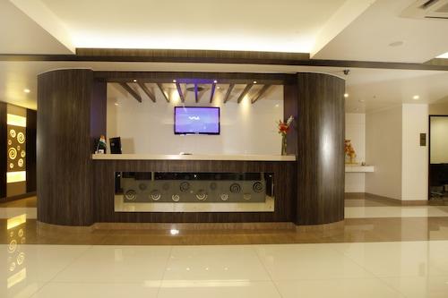 塔曼娜比茲辛賈瓦迪浦那酒店/