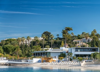 Enter your dates to get the Cannes hotel deal