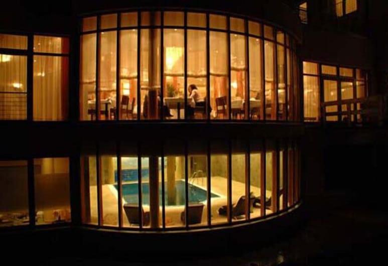 Hotel Raj Mahal, Castrop-Rauxel, Hotellfasad - kväll