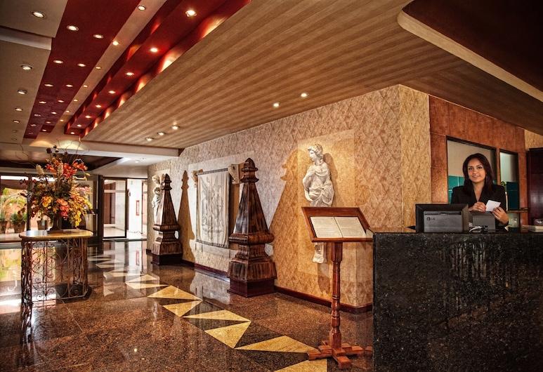 Hotel Cervantes, Guadalajara, Vstupní hala