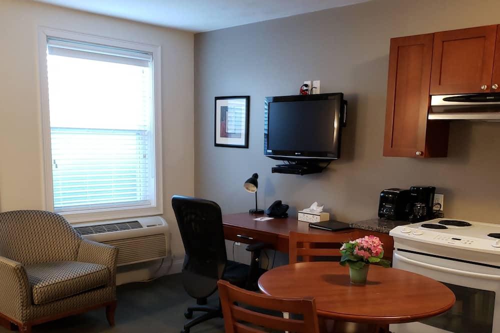Superior Room, 1 Queen Bed, Kitchen - Living Room