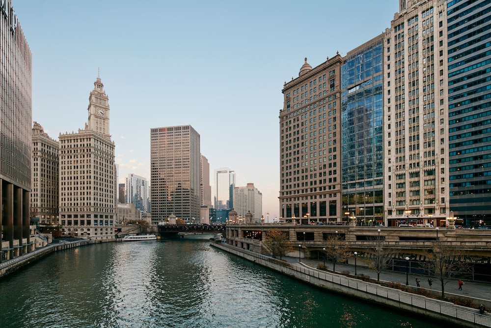 Chicago riverside hotel 2018 world 39 s best hotels for River hotel chicago