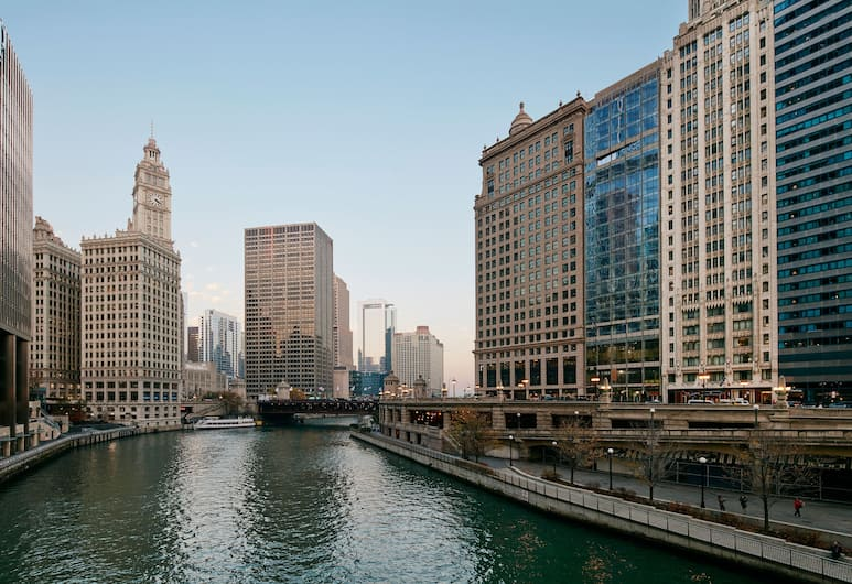 River Hotel, Chicago, Widok z hotelu