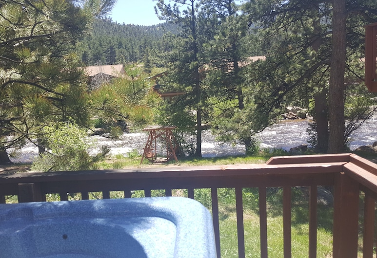 Brynwood on the River, Estes Park, Chic-A-Dee #27 (Cabin, Private Hot Tub, Fireplace, Sleeps 4 adults and 2 children), Terrasse/Patio