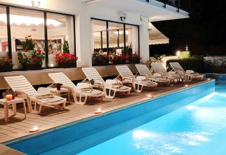 花園飯店, 阿爾比索拉馬里納, 日光浴甲板