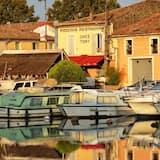 Vaizdas į vandens telkinį