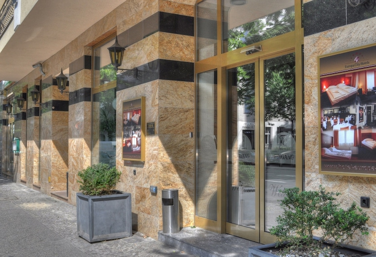 Hotel Europa City, Berlin, Hotel Entrance