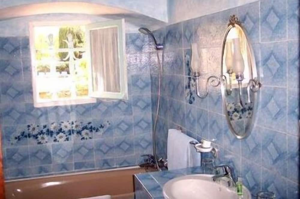 Standard Δωμάτιο, 2 Μονά Κρεβάτια - Μπάνιο
