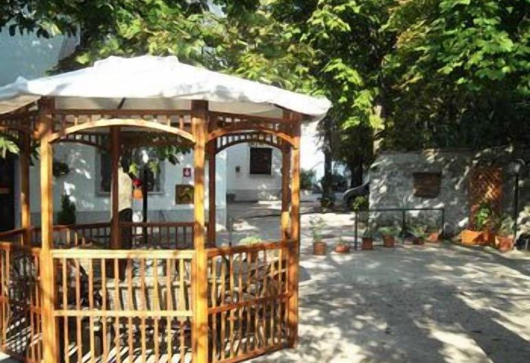 Alla Valle di Banne, Trieste, Parco della struttura