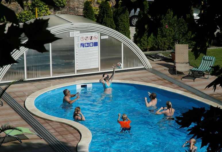 Hotel Manzard Panzio, Budapešta, Āra baseins