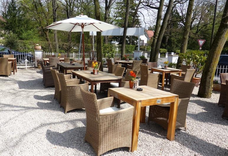 Prinz Myshkin Parkhotel, Munich, Terrace/Patio