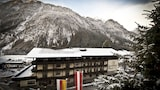 Book this Parking available Hotel in Heiligenblut