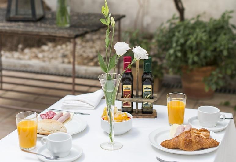 Hotel Alcántara, Seville, Outdoor Dining