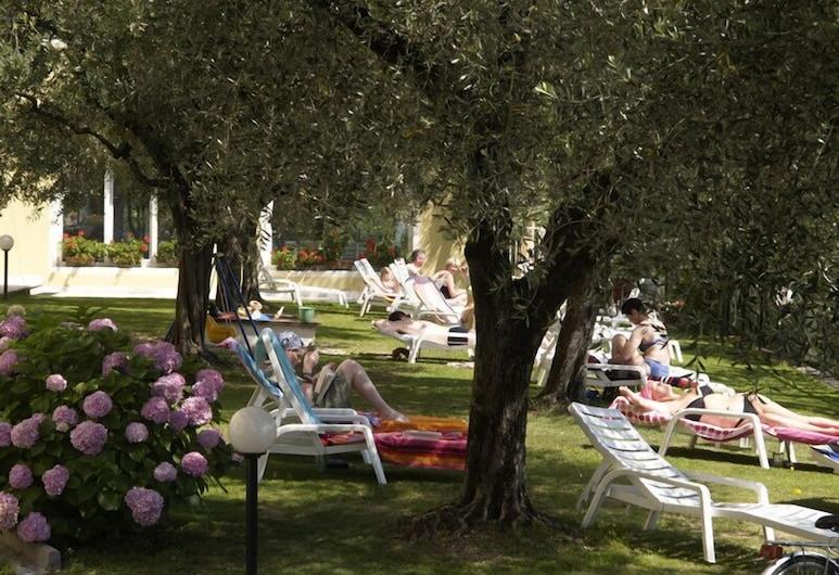 Aparthotel Englovacanze, Riva del Garda, Garten