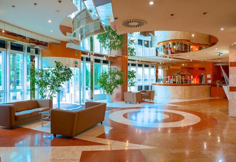 COSMOPOLITAN BOBYCENTRUM, Brno, Lobby Sitting Area