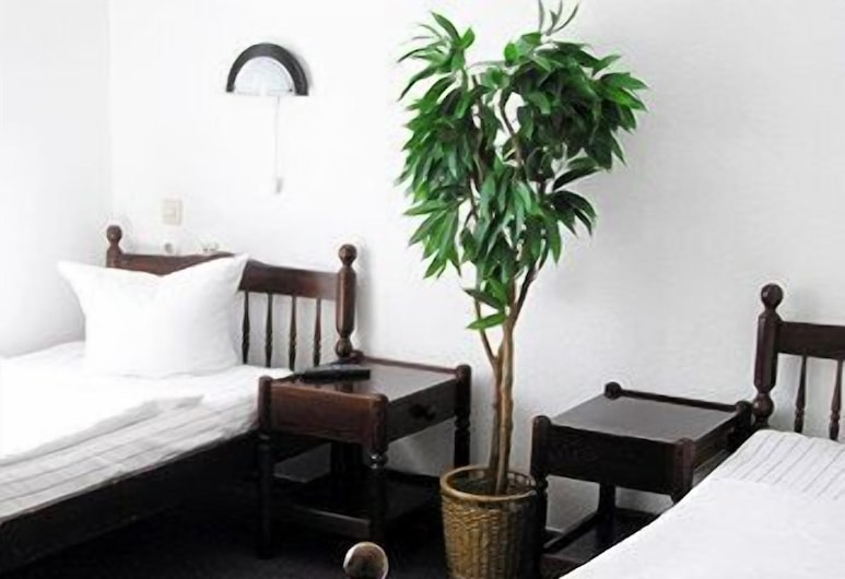 Hotel-Pension Sickinger Hof, Berlin, Standard-Apartment (for 6 Persons), Zimmer