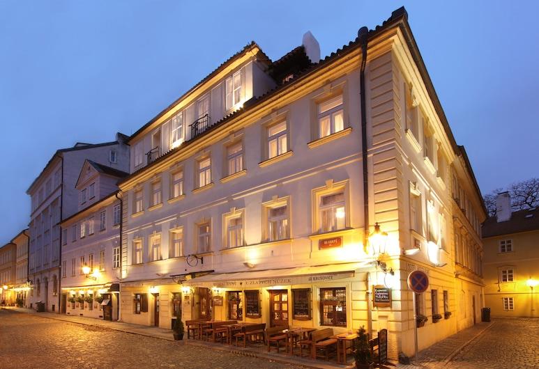 Hotel U Zlatých nůžek, Prag, Hotellfasad