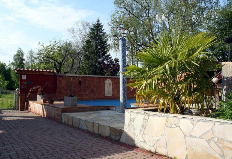 蓋斯茲豪斯帕克里克飯店, 魯斯特, 游泳池