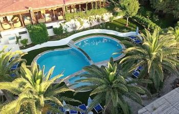 תמונה של La Jacia Hotel & Resort בArzachena