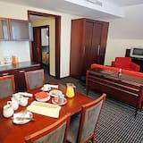 Apartment (2 Adults) - In-Room Dining