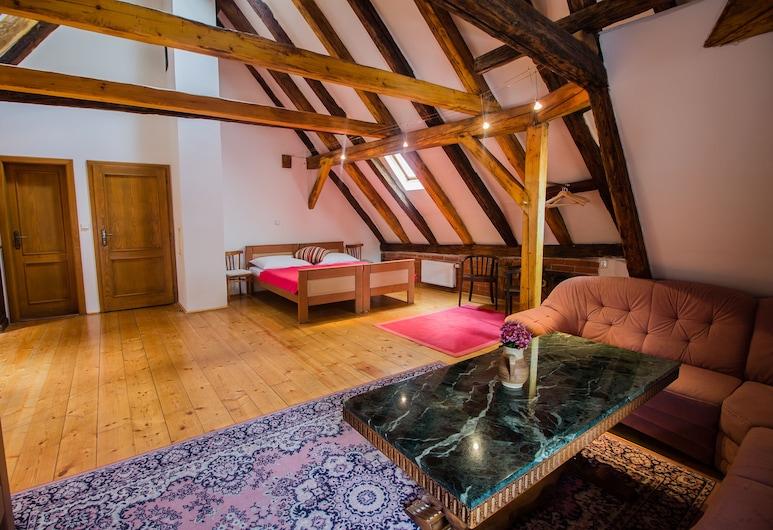 Hotel Svamberský Dum, Cesky Krumlov, Suite (Attic), Guest Room