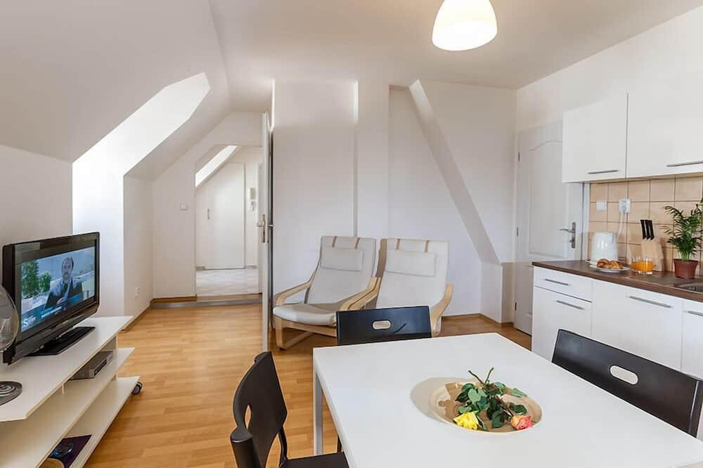 Apartman (4 ADULTS) - Obroci u sobi