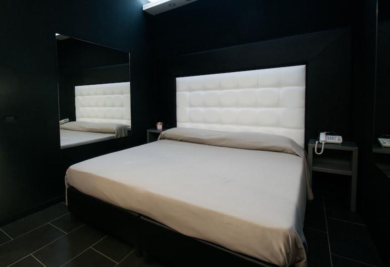 Fly Boutique Hotel, Napoli, Dobbelt- eller tomannsrom – standard, Gjesterom