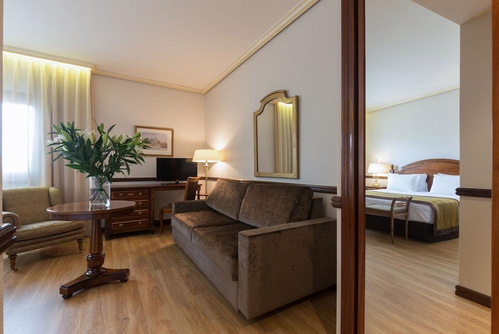Book Exe Reina Isabel In Avila Hotels