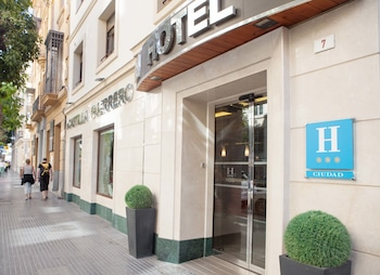 Málaga bölgesindeki Hotel Castilla Guerrero resmi