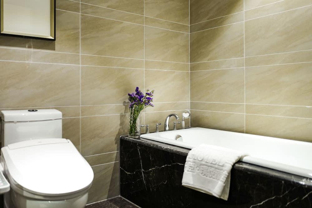 Izba typu Superior, 1 extra veľké dvojlôžko - Kúpeľňa